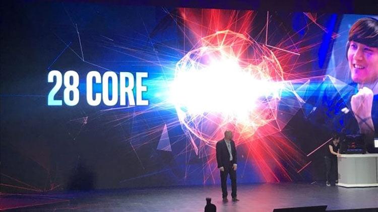 Фото - Intel показала 28-ядерный 5-ГГц процессор и выпустит его в конце года»